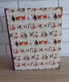 Handgefertigtes Ringbuch für DIN A5 aus Pappe, Papier und Buchleinen - Motiv: Katzen