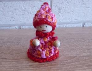 gehäkelter Wichtel - rosa-rot-orange (9 cm x 6 cm) - Handarbeit kaufen