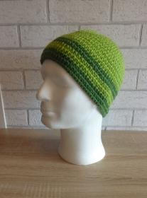 gehäkelte Mütze - gestreift - grün