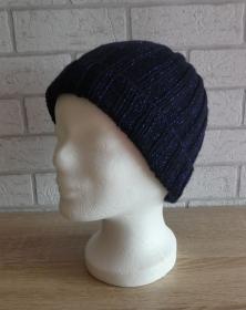 gestrickte Mütze (98% Polyacryl, 2% Polyester) - dunkelblau/metallicblau  - Handarbeit kaufen