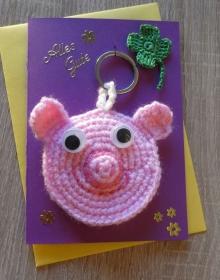 Schlüsselanhänger / Taschenanhänger Glücksschweinchen inkl. Grußkarte und Briefumschlag (rosa-pink-lila-gelb-grün)  - Handarbeit kaufen