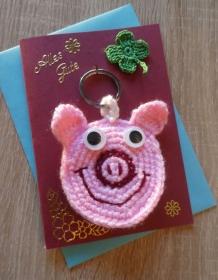 Schlüsselanhänger / Taschenanhänger Glücksschweinchen inkl. Grußkarte und Briefumschlag (rosa-rot-weinrot, blau, grün) - Handarbeit kaufen