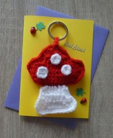 Schlüsselanhänger / Taschenanhänger Fliegenpilz inkl. Grußkarte und Briefumschlag (rot-weiß-gelb-lila-grün) - Handarbeit kaufen
