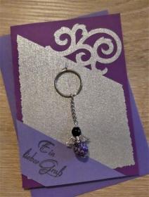 Schlüsselanhänger Engel inkl. Grußkarte und Briefumschlag (lila/silber/schwarz) - Handarbeit kaufen