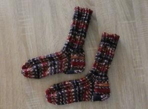 Gestrickte Socken Größe 38/39 rotbraun-braun-grau-dunkelblau - Handarbeit kaufen