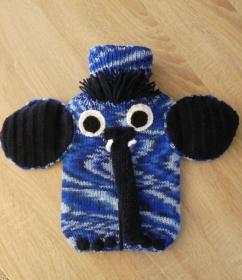 Gestrickter Wärmflaschenbezug inkl. Wärmflasche - Elefant Blautöne - Handarbeit kaufen