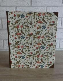 Handgefertigtes Ringbuch für DIN A5 aus Pappe, Papier und Buchleinen - Motiv: Pflanzen, Schmetterlinge, Vögel - Handarbeit kaufen