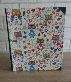 Handgefertigtes Ringbuch für DIN A5 aus Pappe, Papier und Buchleinen - Motiv: Eulen