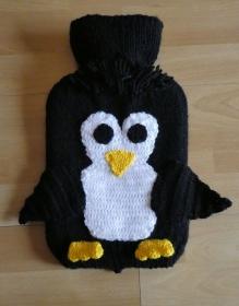 Gestrickter Wärmflaschenbezug - Pinguin inkl. Wämflasche