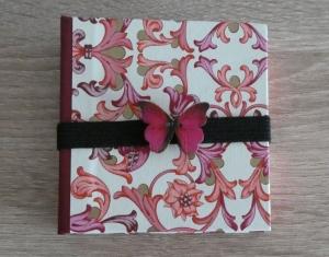 Hangefertigtes Haftnotizzettelbüchlein aus Papier und Buchleinen - Ornamente, Schmetterling (rosa, pink, weiß, gold, rot)