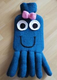 Gestrickter Wärmflaschenbezug - Krake (dunkel-türkis-blau) - inkl. Wärmflasche  - Handarbeit kaufen