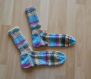 Gestrickte Socken Größe 50/51 - bunt - Handarbeit kaufen