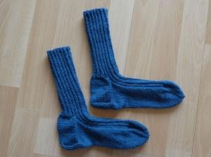 Gestrickte Socken Größe 38/39 petrol - Handarbeit kaufen