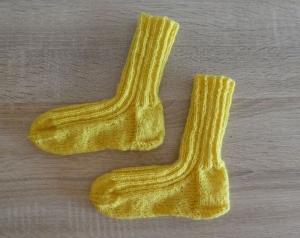 Gestrickte Socken Größe 26/27 - gelb - Handarbeit kaufen
