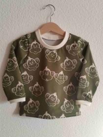 witziges Handgemachtes Langarmshirt grün beige Affen Gr. 86/92 genäht kaufen