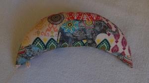 Handgefertigt Yogakissen Halbmondkissen Meditation Entspannung Nackenkissen Geschenk kaufen