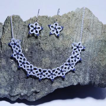 Set Kette und Ohrringe Amelie , hellgraue feine Baumwolle mit blauen Perlen, 925er Silber , Länge ca. 53 cm Manufaktur Lienshöft