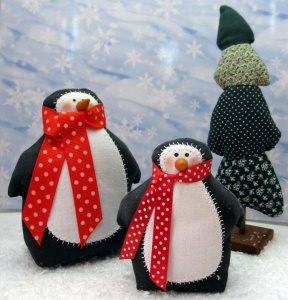 Zwei Pinguine im Winterwald -  süße Winterdeko