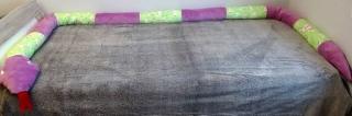 Puckschnecke /Schlange 4 Meter lang mit einem Umfang von 35 cm. Gefüllt mit Füllwatte oder Styroporkügelchen. Kann bestickt werden.