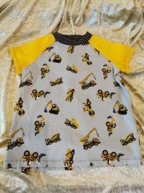 T-Shirt ´Baustellenfahrzeuge´ Gr. 122/128 - Handarbeit kaufen