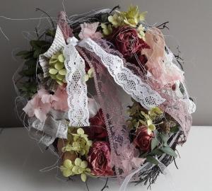 Tischkranz Wanddekoration kleiner Kranz mit Hortensien, Rosen und Naturmaterialien