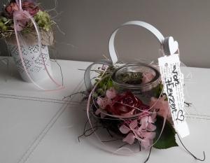 Tischdeko Tischgesteck Herz Windlicht Frühling mit Naturmaterialien