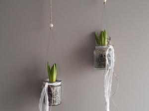 Hängedeko Fensterdeko Frühling 2er Set Hyazinthe im Glas mit Naturmaterialien