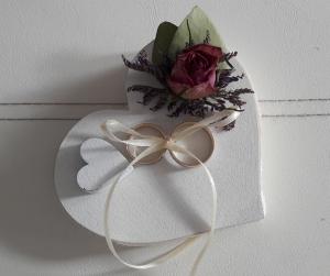 Ringkissen kleines Holzherz Vintage-Look getrocknete Rosen, Blumen