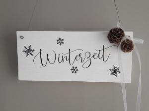 Türschild Holzschild Hängedekoration Winterzeit und Schneeflocken