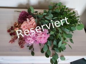 Floristisches Blumenpaket reserviert für Verena