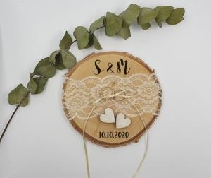 Ringkissen Baumscheibe Hochzeit Vintage Spitze mit Namen und Hochzeitsdatum