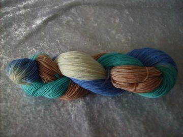 100 gr. handgefärbte Sockenwolle 4 fädig Treibholz