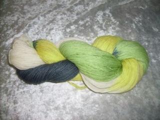 100 gr. handgefärbte Sockenwolle 4 fädig alter Steinbruch