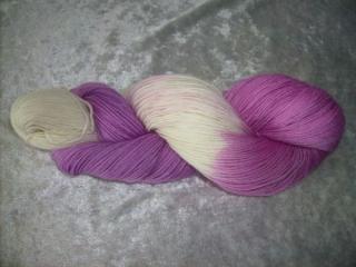 100 gr. handgefärbte Sockenwolle 4 fädig Liliana