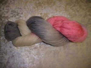 100 gr. handgefärbte Sockenwolle 4 fädig Vinitage
