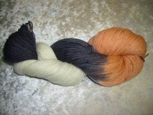 100 gr. handgefärbte Sockenwolle 4 fädig Koi