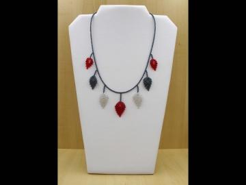 Blätterkette aus 2,3mm Rocailles; rot-silber-blutstein  - Handarbeit kaufen
