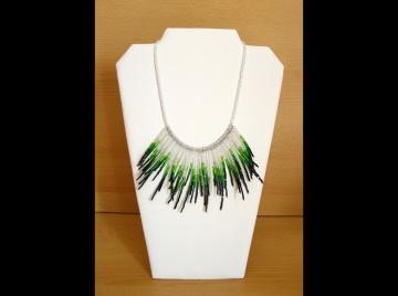 Kette in Federnoptik - grün, silber, schwarz - Handarbeit kaufen