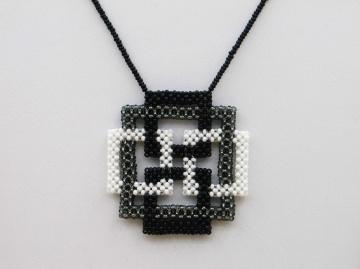 Kette mit Quadraten aus Rocailles, schwarz-grau-weiß - Handarbeit kaufen
