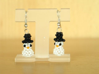 Schneemann-Ohrringe aus Rocailles - Handarbeit kaufen