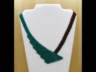 Perlen-Netz-Collier asymmetrisch; petrol-braun - Handarbeit kaufen