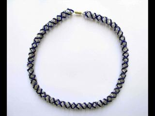30% reduziert - Spiralkette aus Stiftperlen blau-silber - Handarbeit kaufen