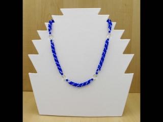 Spiralkette aus Rocailles und Glasperlen; blau-weiß - Handarbeit kaufen