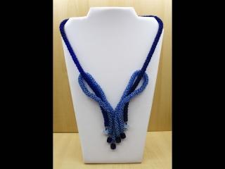 Collier Masche (Schleife) aus Rocailles; blau - Handarbeit kaufen