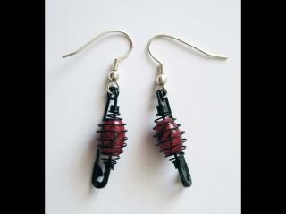 Ohrringe mit Ready Wire auf Sicherheitsnadeln; schwarz-rosa - Handarbeit kaufen
