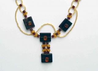 Y-Kette mit Knöpfen, Glasperlen und Stiftperlen, gold-braun - Handarbeit kaufen