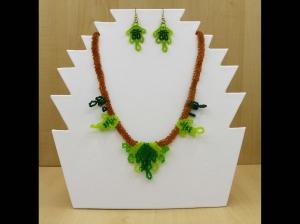Blätter Schmuckset aus Rocailles 2,3mm; Kette + Ohrringe; grün-braun - Handarbeit kaufen