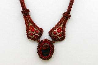 Collier Kate mit Cabochon aus Regenbogen Jaspis; rot - Handarbeit kaufen
