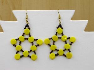 Sternenohrringe aus Glasperlen; gelb-schwarz-braun - Handarbeit kaufen