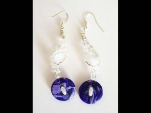 Ohrringe mit Knöpfen, Glasperlen und Stiftperlen, lila-silber - Handarbeit kaufen